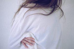 Pokochaj swojego szakala - konflikty wewnętrzne i budowanie kontaktu ze sobą - obrażona kobieta